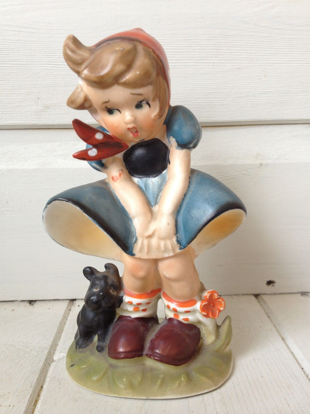 VINTAGE 1950S ?HUMMEL / GOEBEL FIGURINE OF GIRL WITH DOG