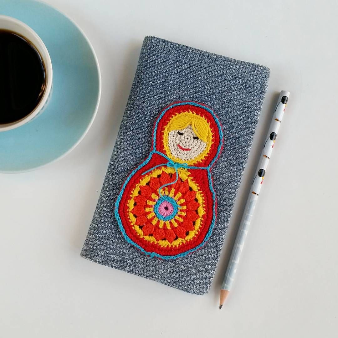 "This is the cutest! (Old jeans and crochet notebook cover) - Johanna N (@ihan_oikea_blogi) on Instagram: ""Mun käytetyin käsityö  Vanhoista farkuista ommellut kalenterin kannet. Seuraaviin teen kyl sit…"""