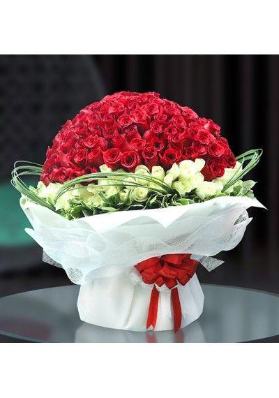 Buy 300 Roses Of Love Flowers For All Flowers Flowers In Dubai Uae All Flowers Online Flower Shop Flowers