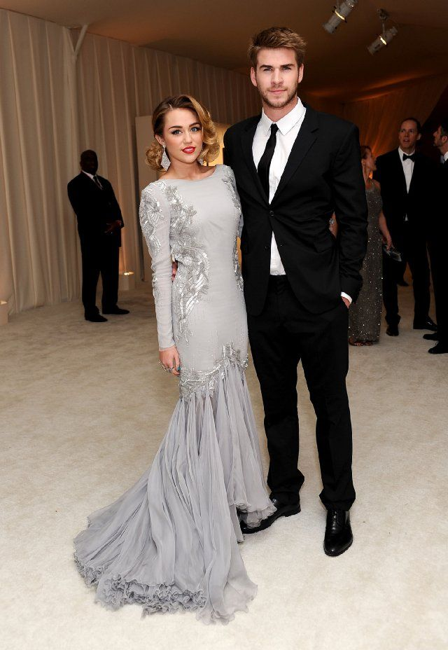 Miley Cyrus Wedding Dress.Miley Cyrus And Liam Hemsworth Miley Cyrus And Liam Hemsworth In