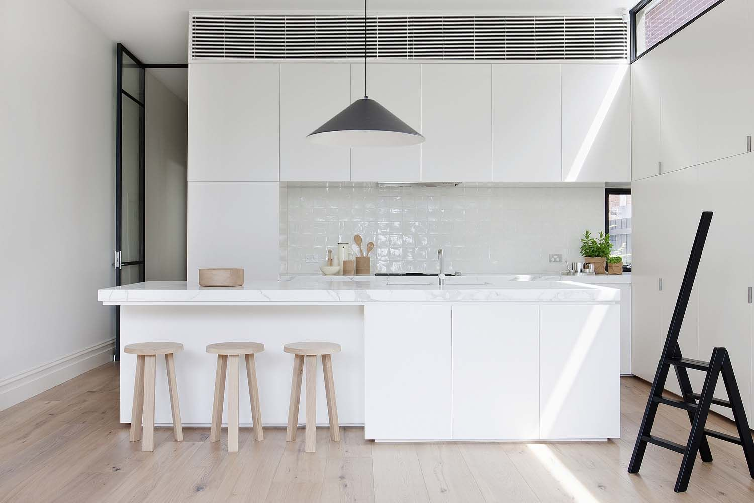 Small Victorian home gets a stunning transformation in Melbourne ...