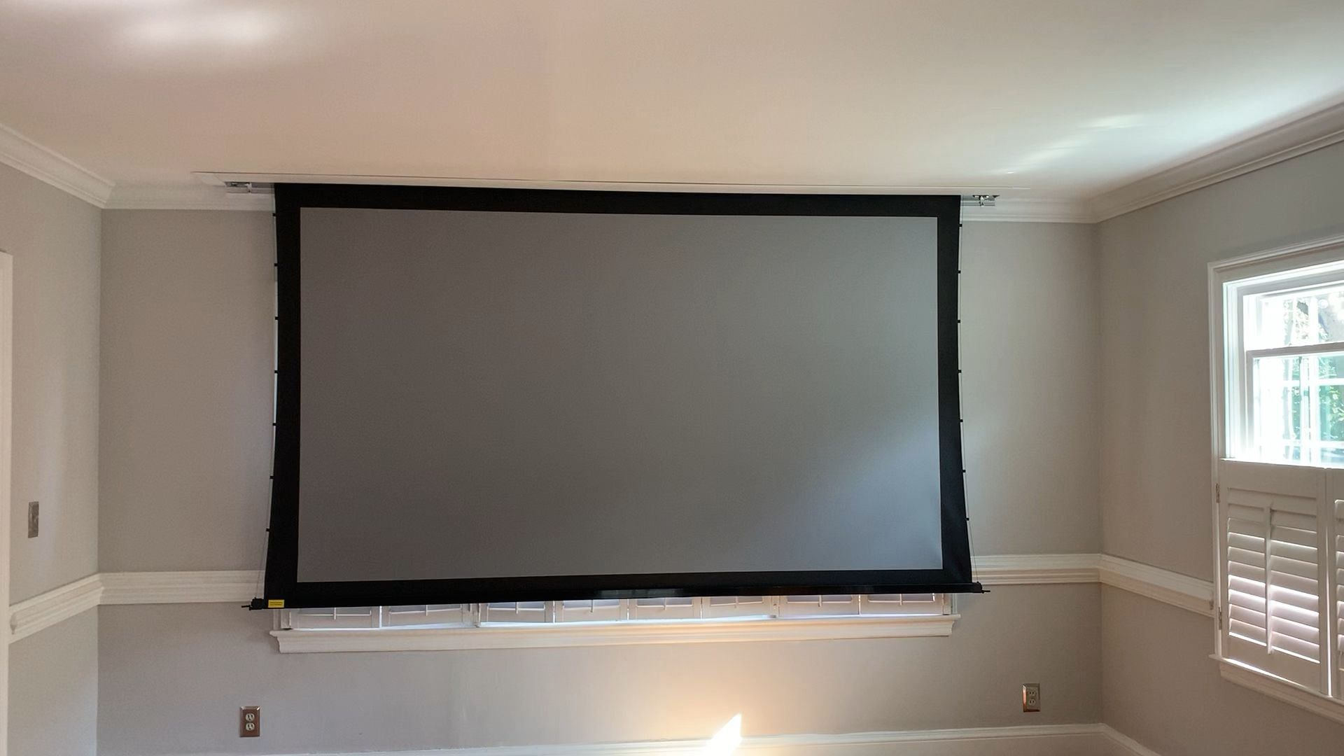 """Disappearing 120"""" Projector Screen 1000 in 2020 Home"""