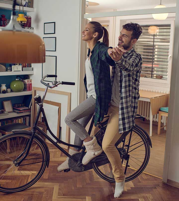 20 Stay-At-Home Date Ideas For Couples #stayathome