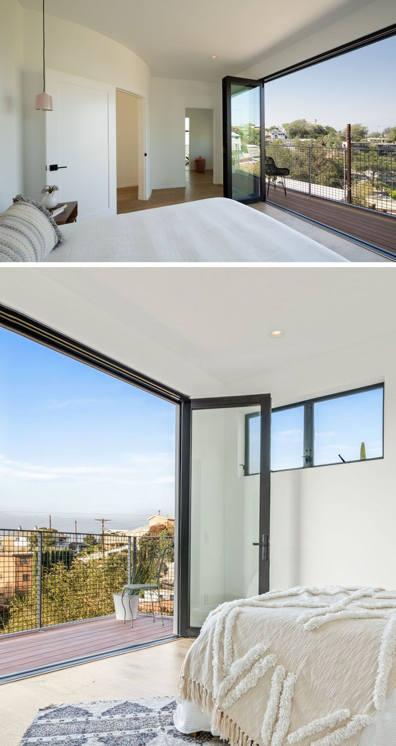 The Stack House Has Been Built Into A Los Angeles Hillside Folding Glass Doors Balcony Design Bedroom Balcony