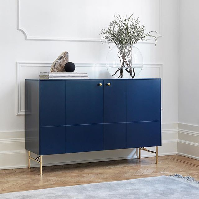 Infinity Blue Sideboard I Golden Pattern Angles Low Legs In Brass And Mini Balls Handles In Solid Brass This S Huis Interieur Design Interieur Huis Interieur