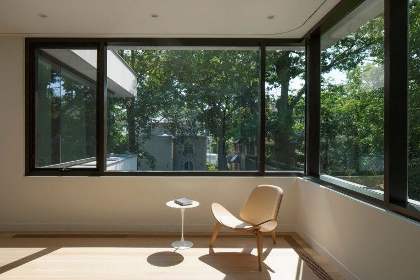 Dise o de casa moderna de dos pisos lineas simples en for Fachadas de ventanas para casas modernas