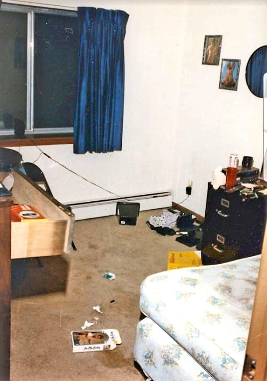 Jeffrey dahmer crime scene photos and.polaroids