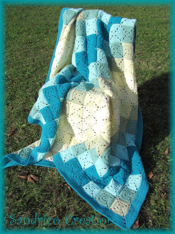 Couverture turquoise faite main au crochet by SandricoCreations