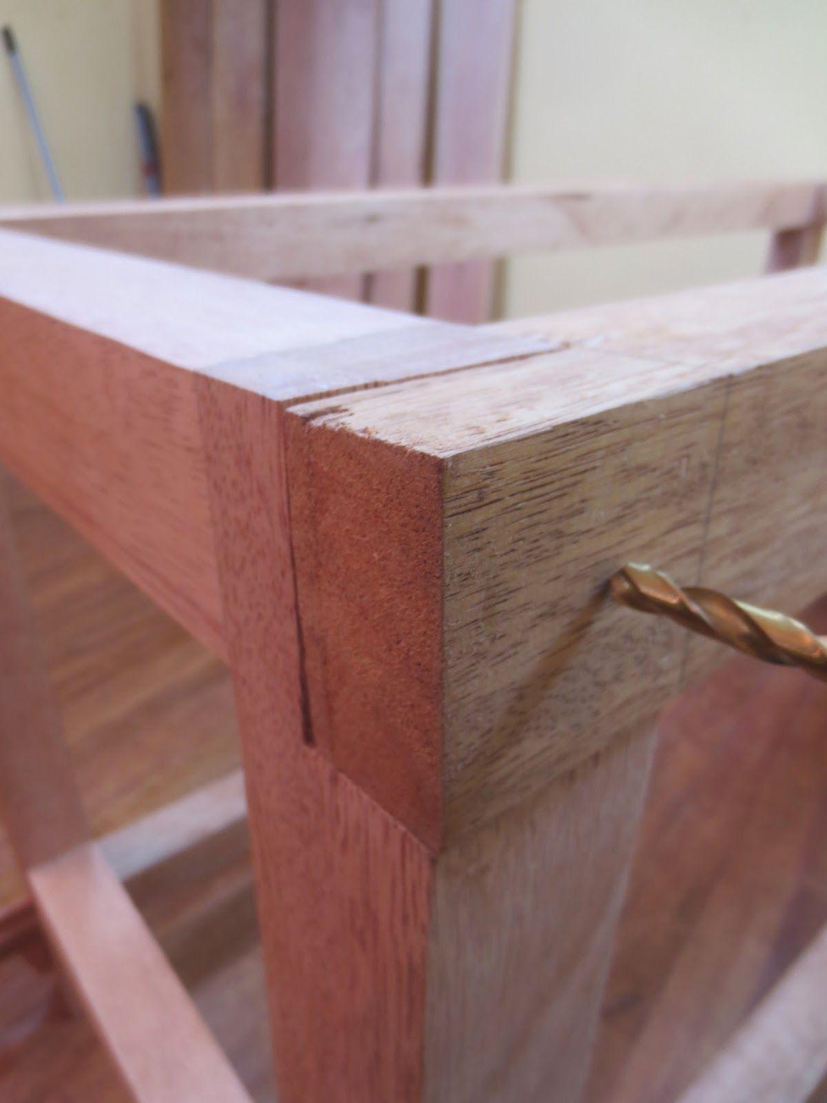 Como hacer una mesa de carpintero desarmable bienvenidos - Construir altillo madera ...