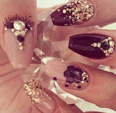 Nails In Gold Nails Pinterest Sweet 16 Nails
