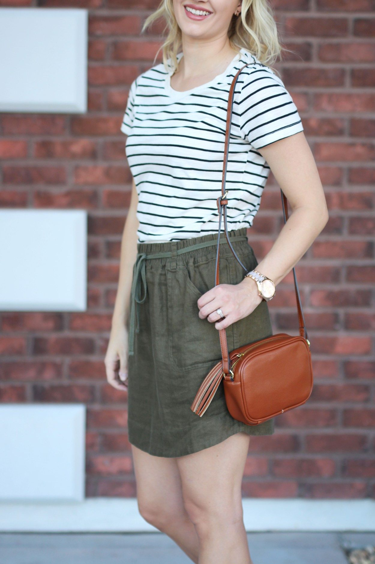 9292bad4cebd Olive linen skirt with striped t-shirt for a casual summer outfit via   treatstrends