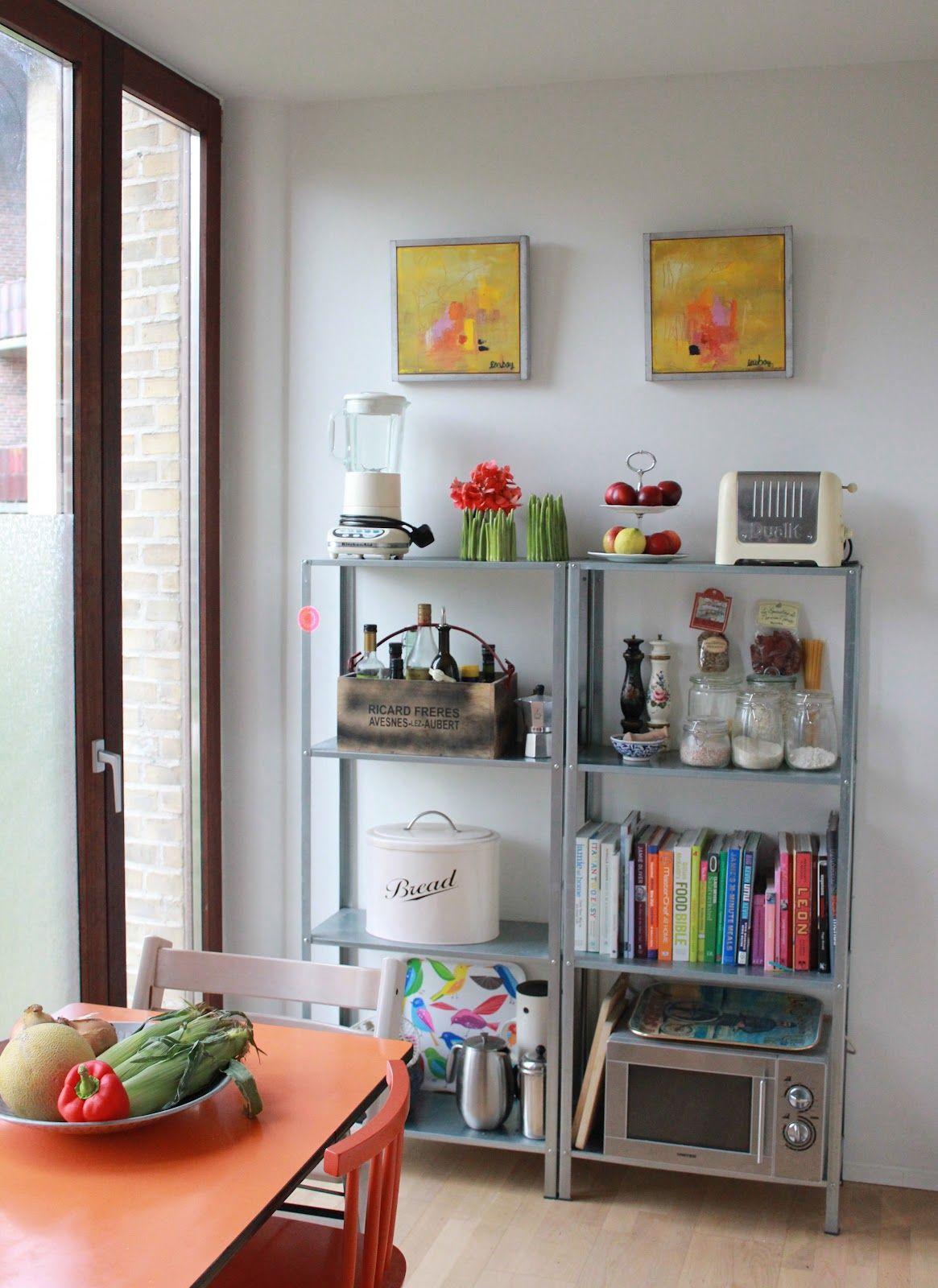 Ikea hyllis for corner by wall kitchen pinterest for Decoracion cocinas ikea