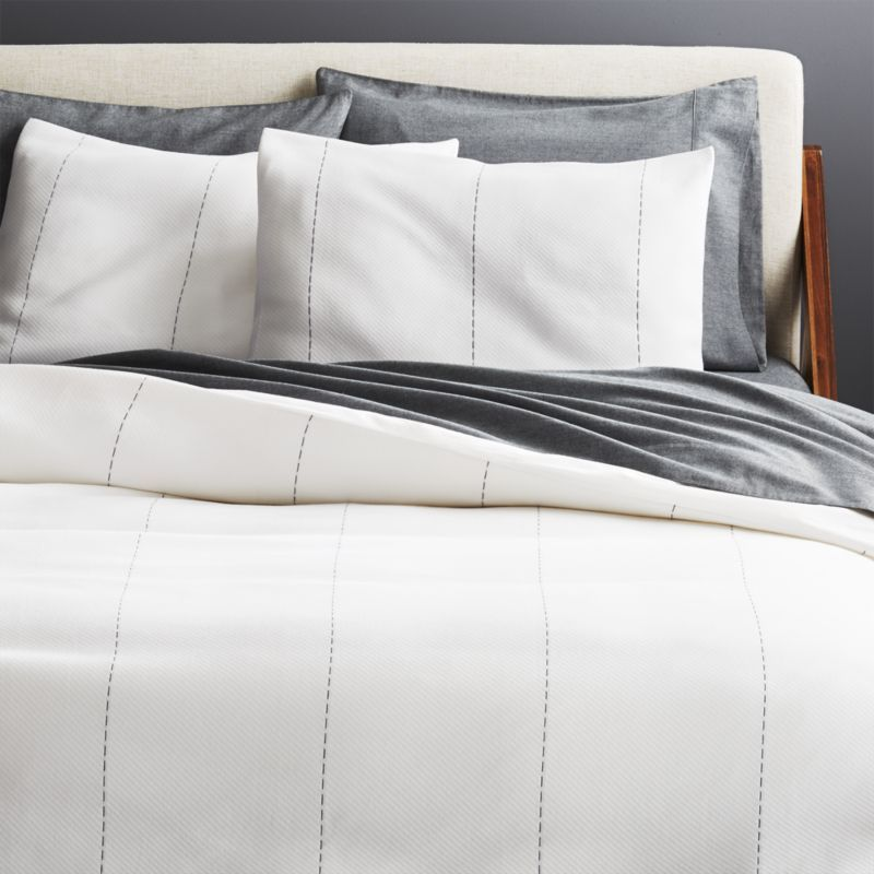 Shop Picco Navy And White Bedding Super Soft Smooth Cotton Creates A Neutral Backdrop In The Bedroom Complete White Duvet White Bedding White Duvet Covers
