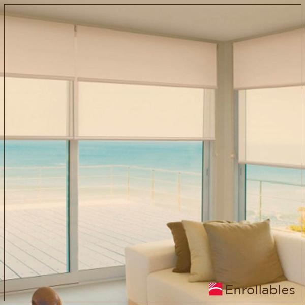 Pensando en la mayor optimización del espacio, las cortinas #Enrollables son la alternativa perfecta para decorar tu espacio y controlar la entrada de luz. #ArquiPersianas