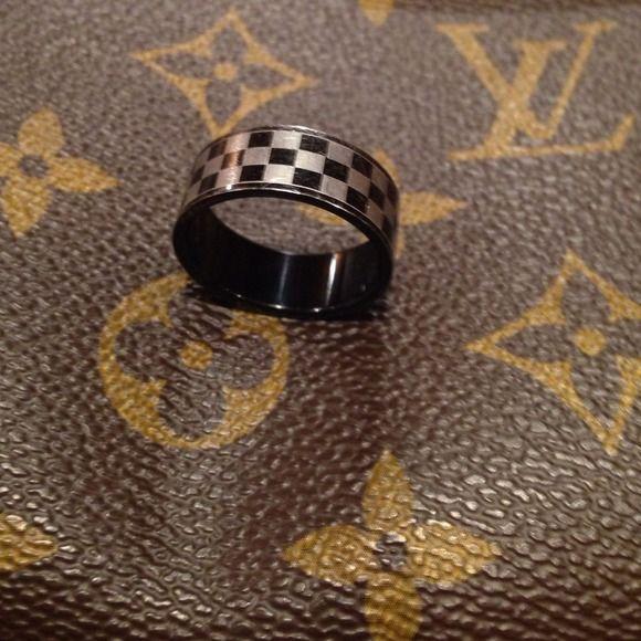 054d512d Luis Vuitton Men's Ring! Stunning LV Men's Ring Louis Vuitton ...