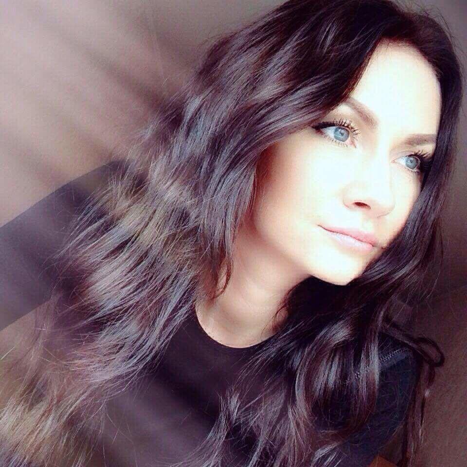 ارملة لبنانيه ارغب في الزواج المسيار من مهاجر عربي او خليجي في تركيا Hair Styles Long Hair Styles Hair