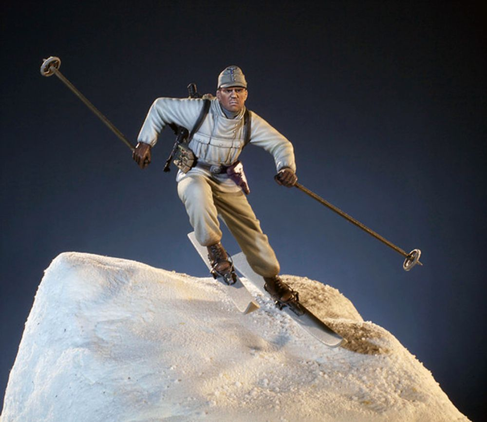 Ww2 mountain patrol, quick on the snow-ski or snow-shoe. Able to survive in the high, cold areas of Europe.