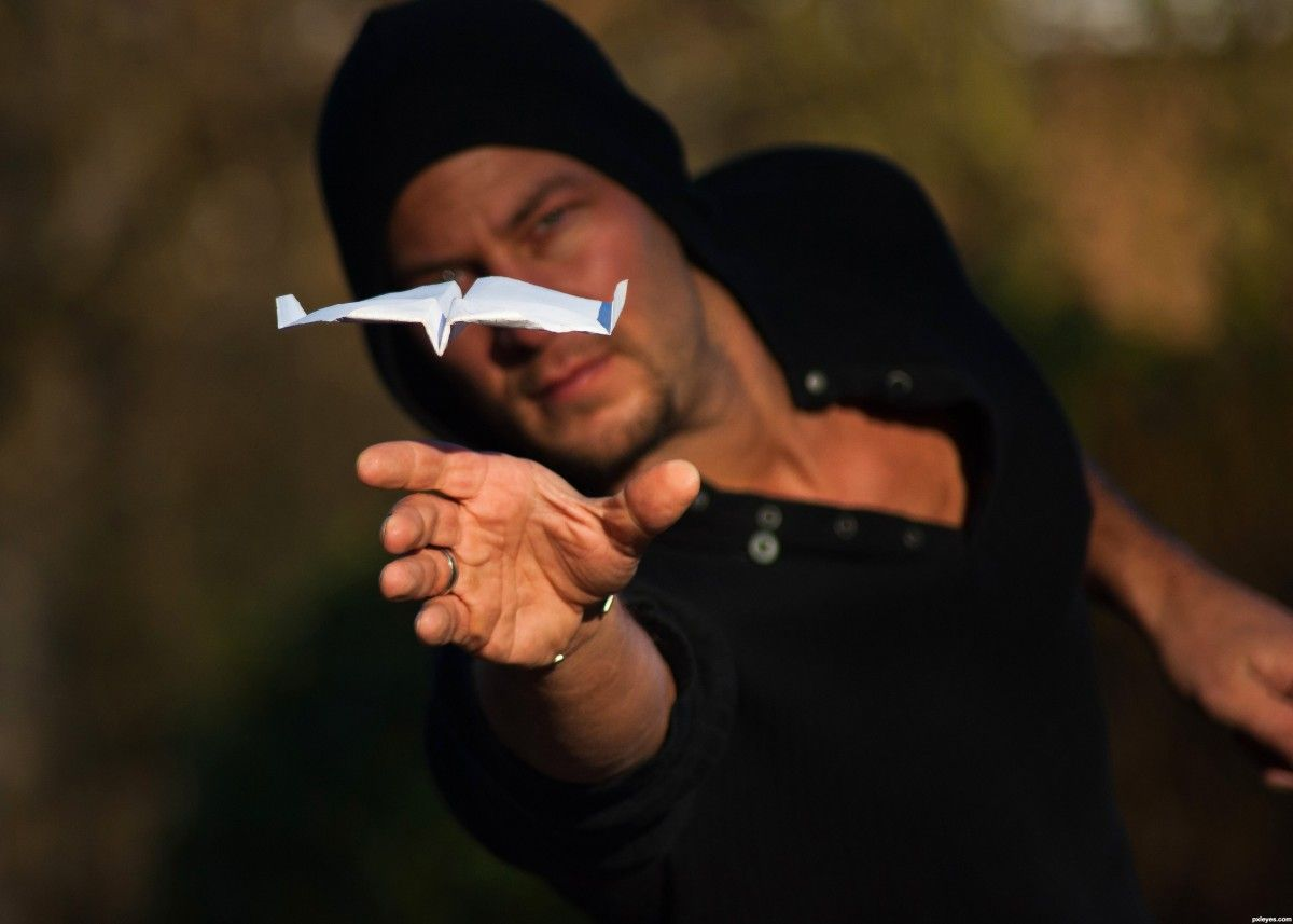The most comprehensive post on interesting things about paper aeroplanes. A good pick-me-up for a Friday afternoon!