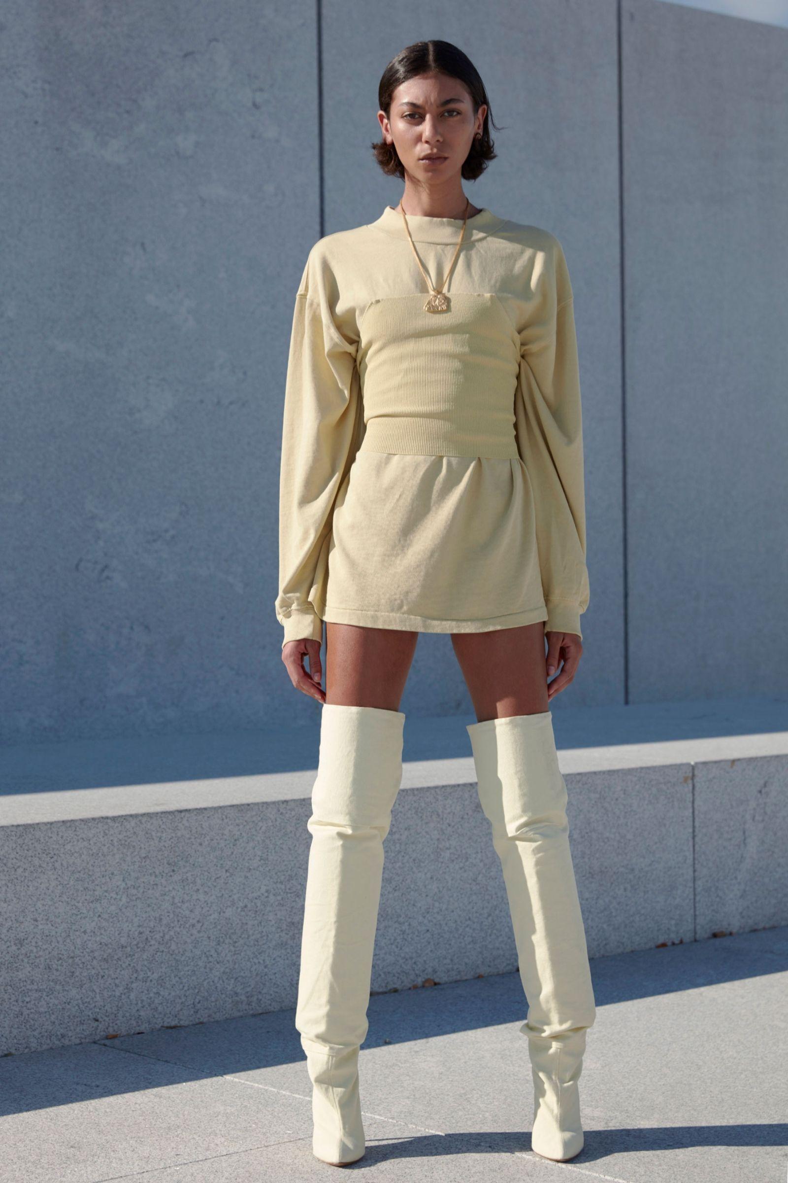 Enjoy Every Look From Kanye S Yeezy Season 4 Fashion Show Fashion Yeezy Season 4 Ready To Wear
