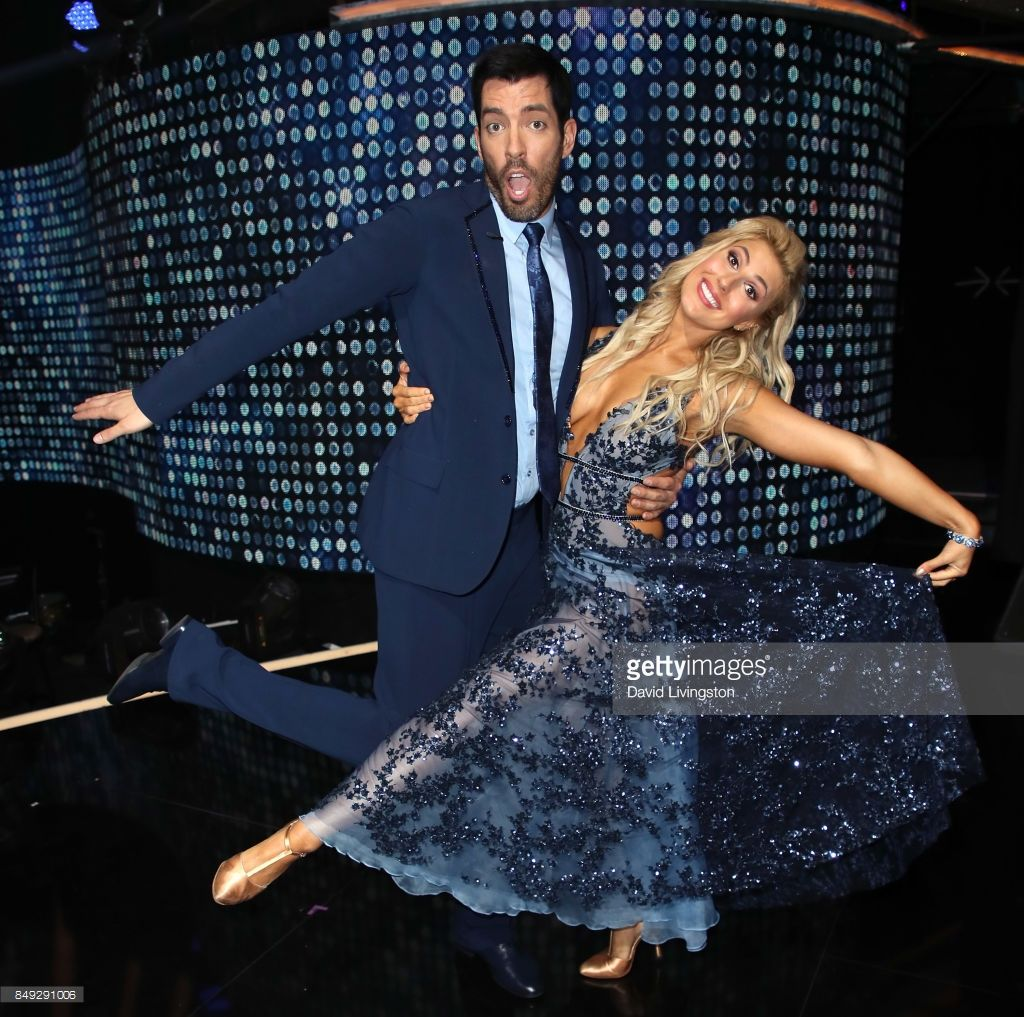 News Photo Tv Personality Drew Scott And Dancer Emma Slater Dancing With The Stars Emma Slater Premiere