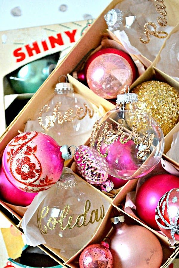 the pink couch DIY Christmas Ornaments christmas crafts - christmas decorations diy