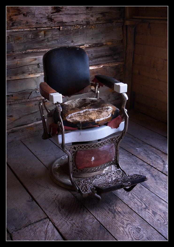 Barber chair barber chairs barber shop pinterest for Sillas para viejitos