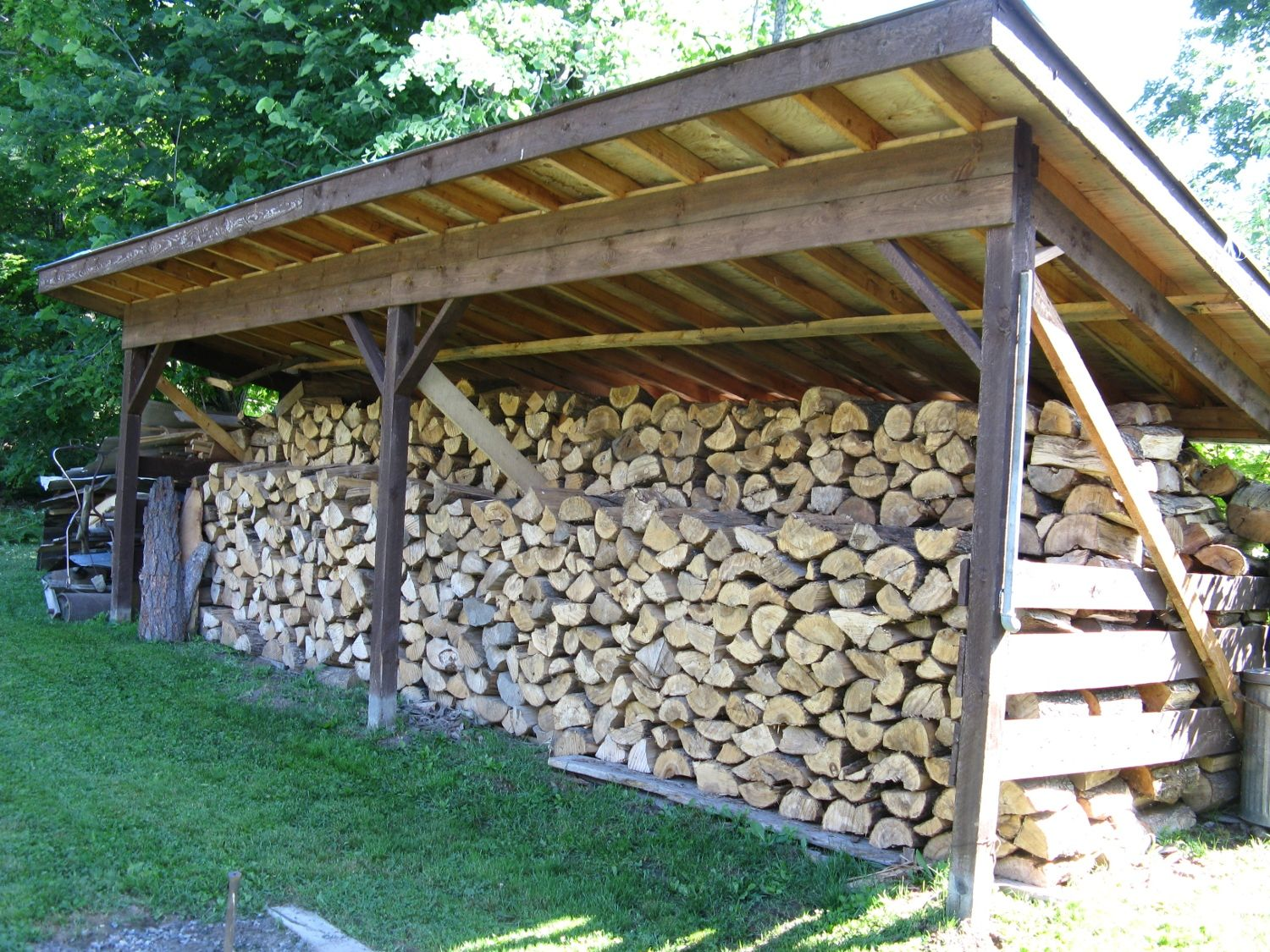 how to store firewood for seasoning
