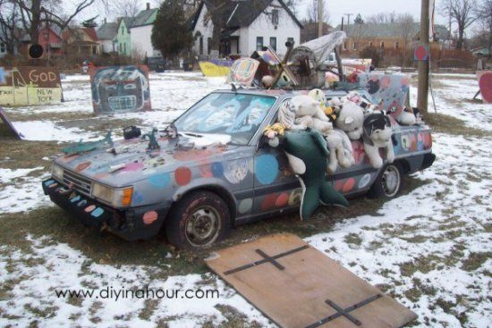 Polka Dot Car – Heidelberg Project