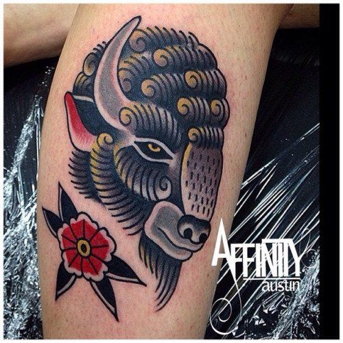 Bison tattoo tradicional tattoos pinterest bison for Traditional bison tattoo