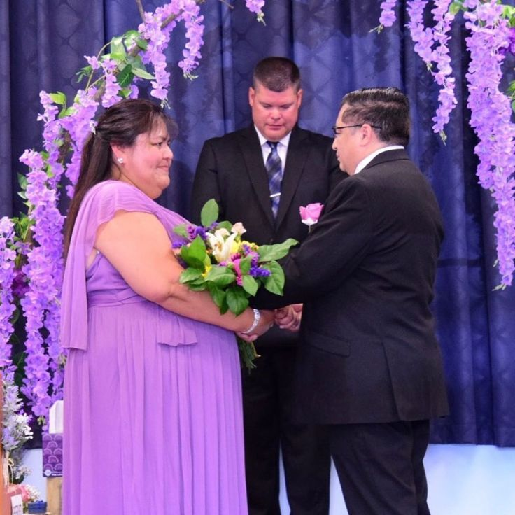 [组图/Carousel]This lovely couple celebrated their 20th anniversary a couple w #20thanniversarywedding