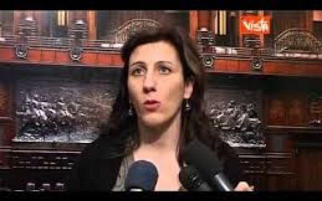 Carinelli sbugiarda Renzi che pare con supercazzole capolavoro. I video