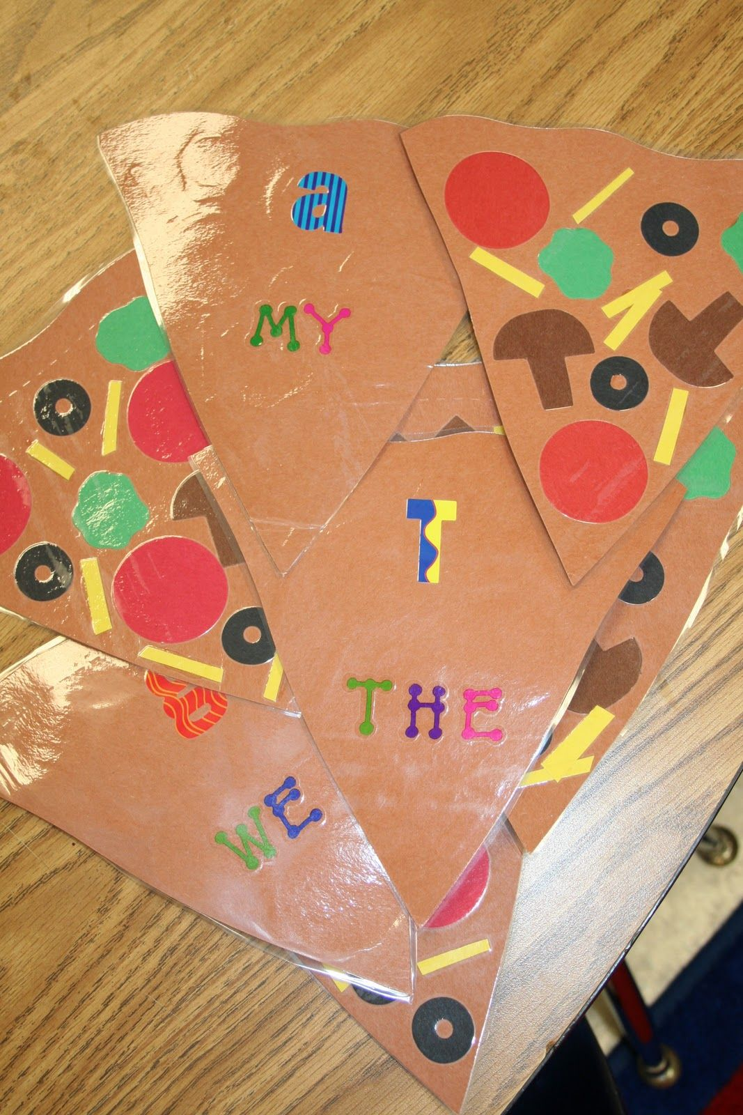 Mrs Lee S Kindergarten Pass The Pizza Kindergarten Kindergarten Language Arts Little Red Hen [ 1600 x 1067 Pixel ]