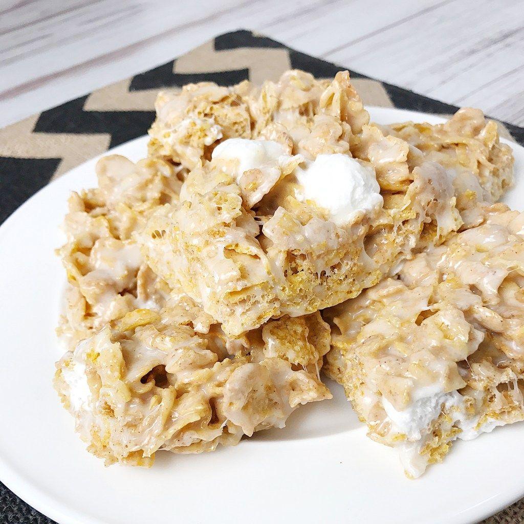 Frosted Flakes Marshmallow Treat Bars - Kelly Lynn's Sweets and Treats #marshmallowtreats