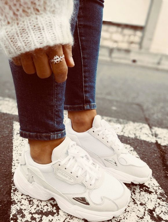 adidas falcon femme blanche et or