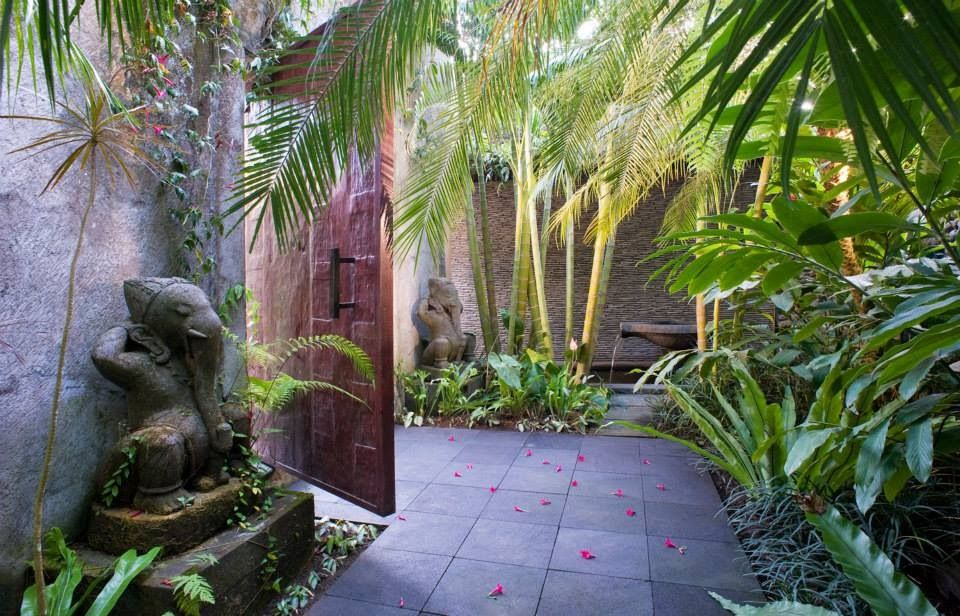 Bali courtyard bali style home garden pinterest for Tropical courtyard garden design