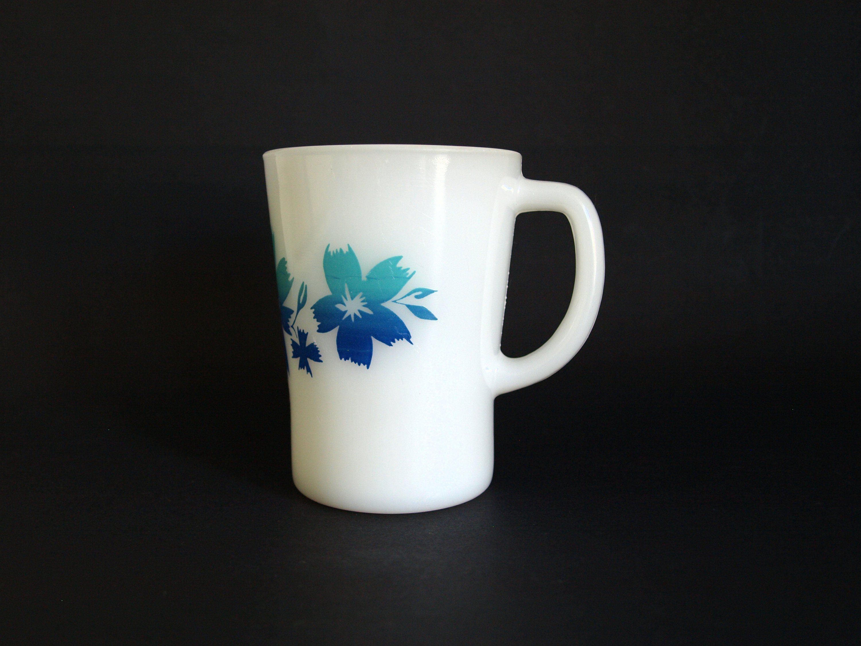 Agee Crown Pyrex Cape Tulip Coffee Mug Vintage 70s Milk