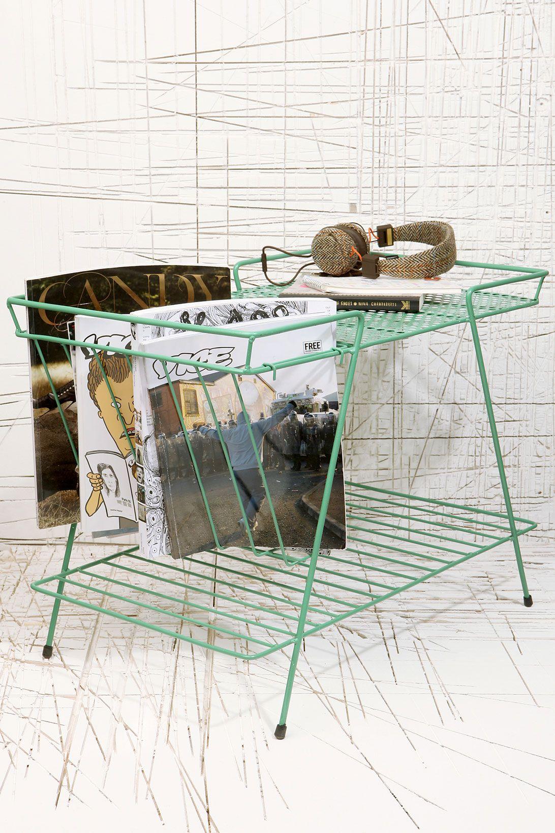 Zeitschriftenhalter in Grün bei Urban Outfitters