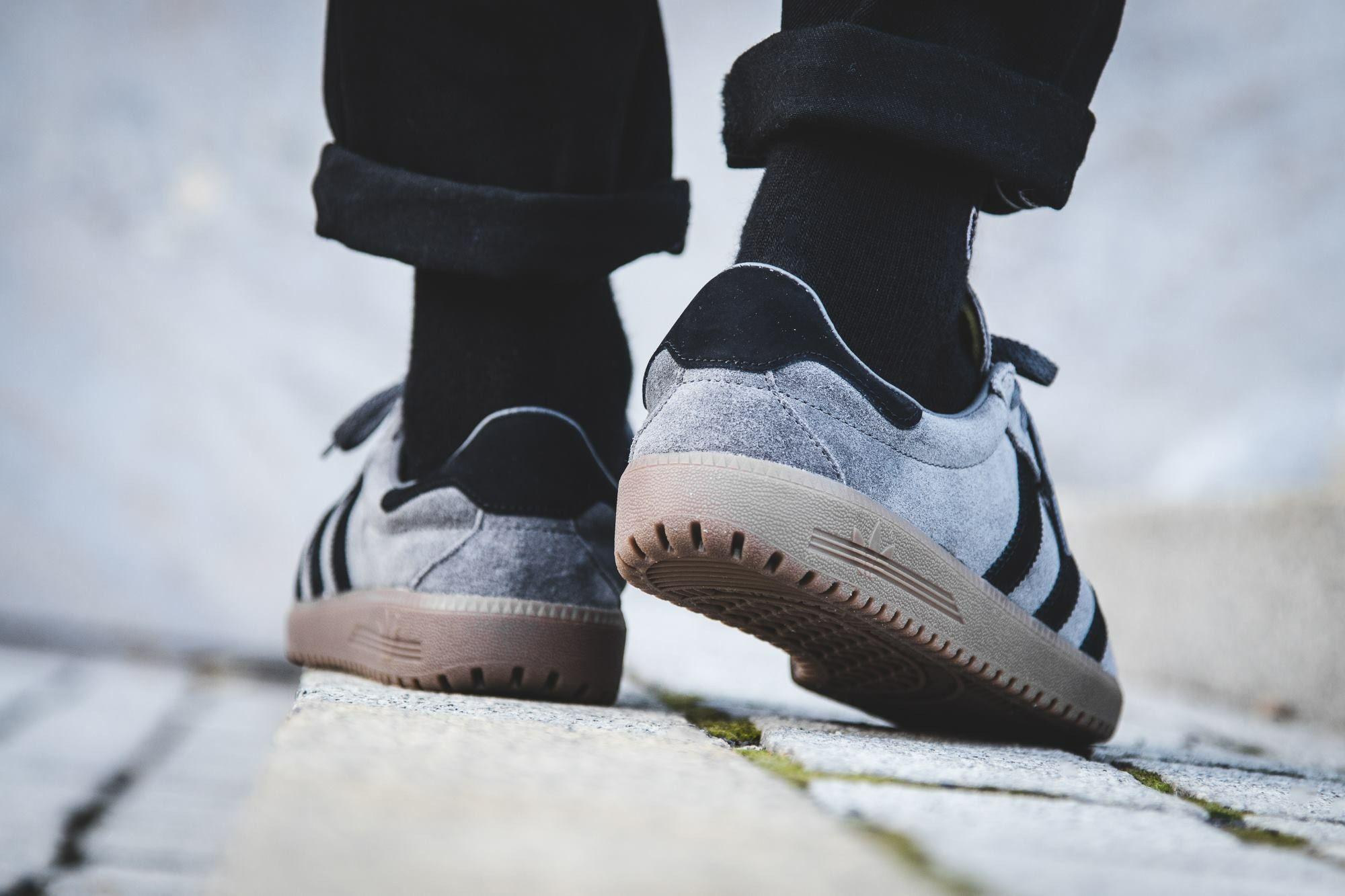 adidas Originals Bermuda: Grey | Sneakers: adidas Bermuda