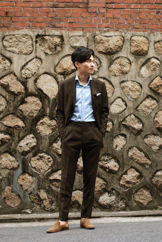 Seoul, Korea  March 17, 2012  Ko Seokchan 25 Student  Jacket : tailor-made, Shirts : tailor-made, Pants : tailor-made, Shoes : Sutor Mantellassi    place : Seogyo-dong, Mapo-gu | from hoyasnap