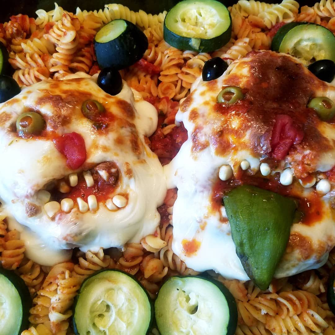 Cheesy baked marinara heads. 100% Mmmm, yummy 🤣🤣🤣 in the