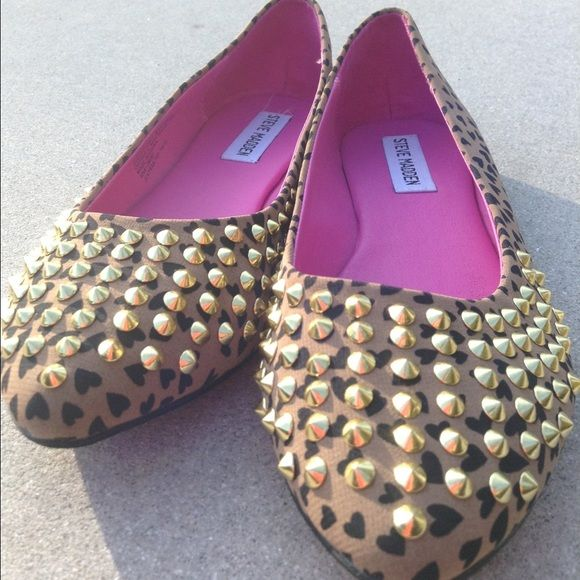 STEVE MADDEN Gold-Studded Heart Leopard
