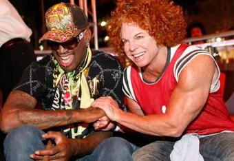 Dennis Rodman In Wedding Dress Dennis Rodman Athlete Sports Story