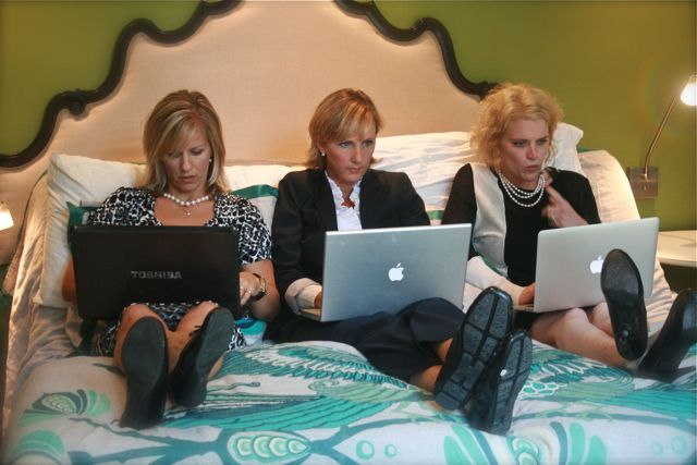 An Office For Moms (Kerry has a hilarious video!! Bloggers will love it) via House TalkN