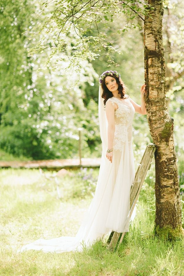 Love the look of this silk tulle veil in this ethereal