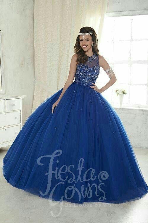 20903e82d42 Pin de ELOIZA LIMA en vestidos