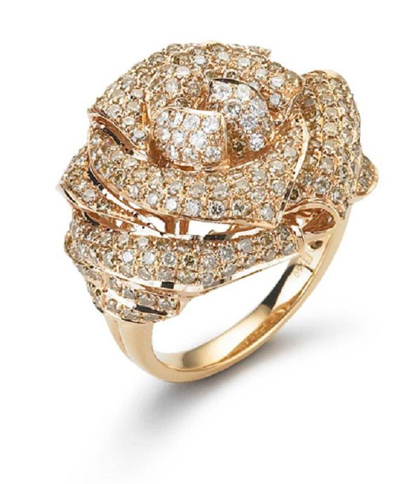 GLITTERATI RING Brown and white diamonds gleam on every layer of this unique three dimensional ring. 2.58ct brown diamonds and 0.20ct round brilliant diamonds set in 18K rose gold.
