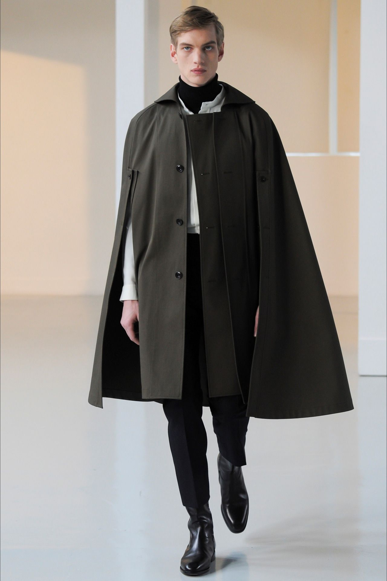 paul boche at christophe lemaire fall winter 2015 2016 menswear pinterest manteau chic. Black Bedroom Furniture Sets. Home Design Ideas