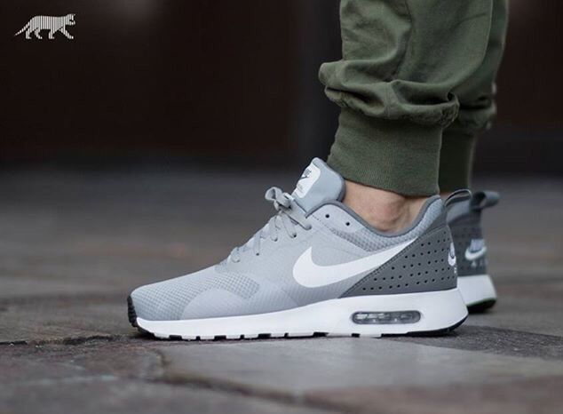 huge selection of 735c4 f8d4c Nike Air Max Tavas  Wolf Grey Calzado Masculino, Tenis Masculino, Estilo De  Zapatos