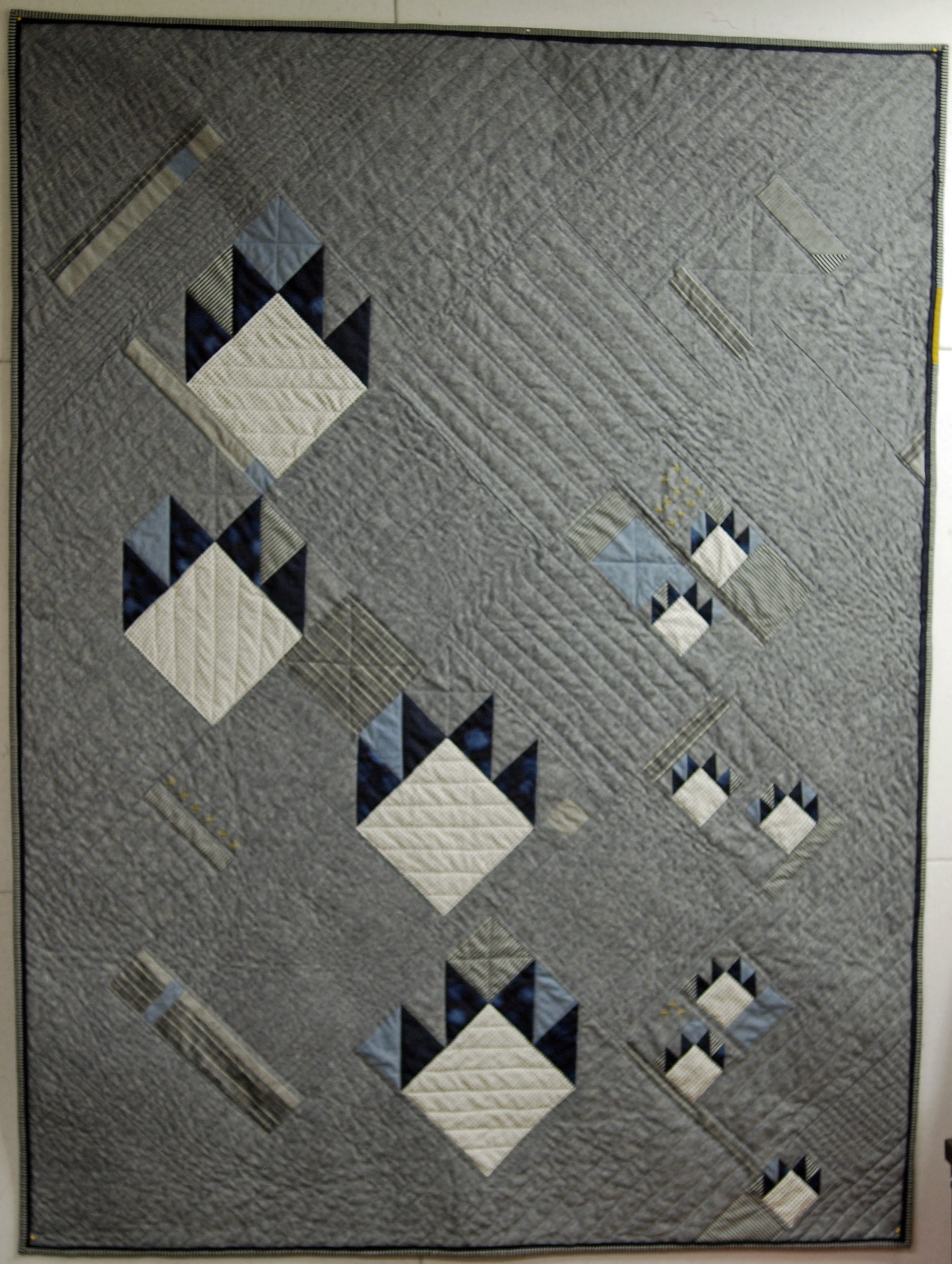 Modern Bear Paw. Beautiful in neutrals. | Quilts Patte D'ours-Bear ... : bear claw quilt - Adamdwight.com