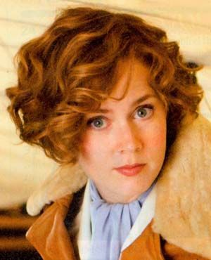 I M Thinking Of An Amelia Earhart Inspired Look Amy Adams